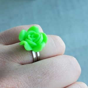 💚New Adjustable Ring Neon Green Rose